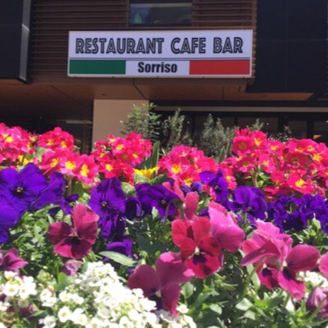 レストラン&カフェバー